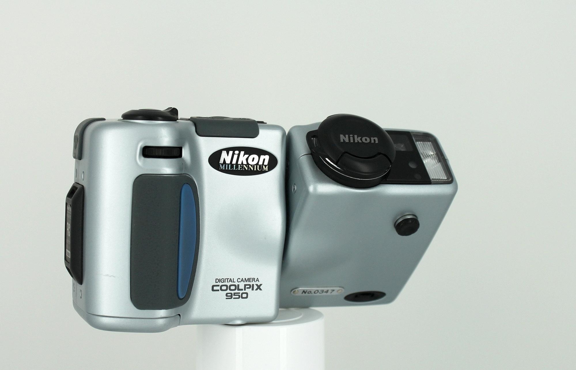 Nikon Coolpix 950 Millennium Edition (1999)