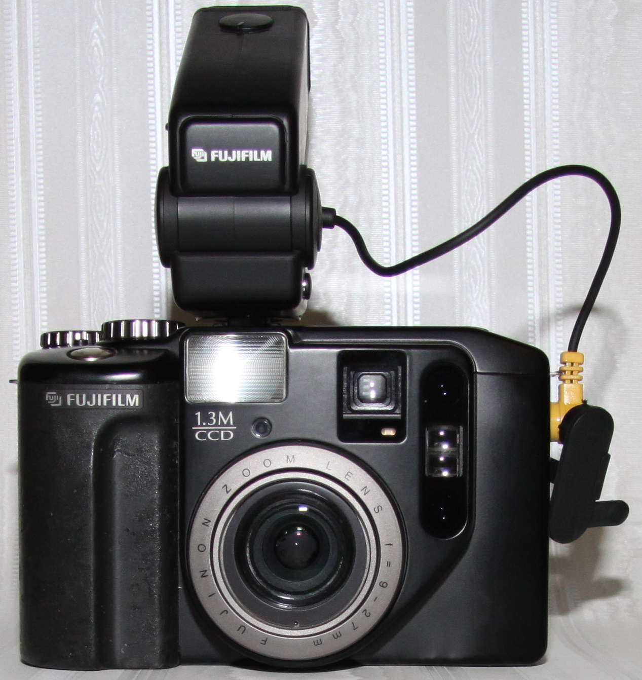Fujix DS-330 (1998)