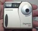 Samsung Digimax 80(© The Imaging Resource)